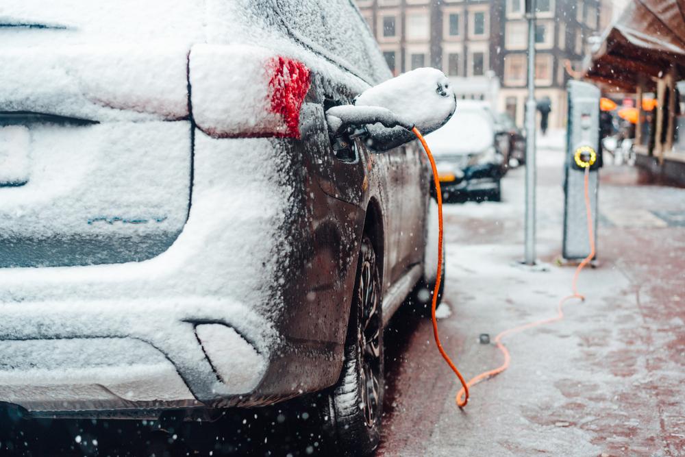 Kulden gir ofte problemer for elbil eiere